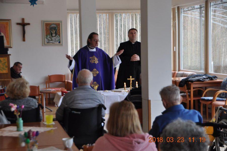 Ispovijed i Sveta misa u Domu