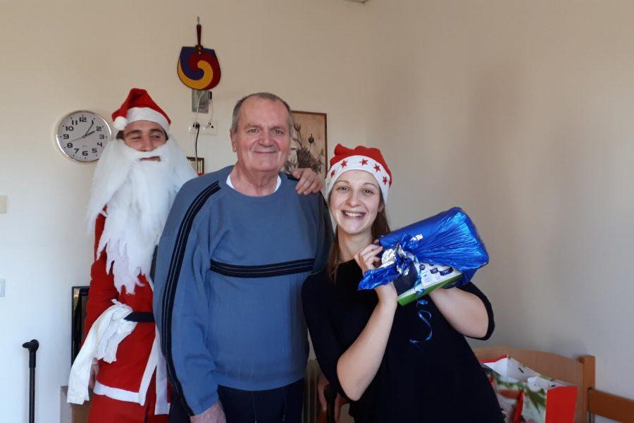 Podjela božićnih poklona korisnicima